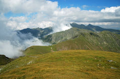 Piękna halna lato sceneria fagaras góry Romania Fotografia Stock