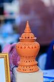 Piękna handmade ceramiczna lampa w Thai stylowych wzorach garncarka Obrazy Stock