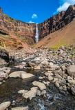 Piękna i wysoka Islandzka siklawa Hengifoss, Iceland Zdjęcie Stock