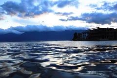 Piękna jezioro woda Zdjęcia Stock