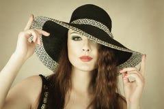 piękna kapeluszowa kobieta Zdjęcia Royalty Free