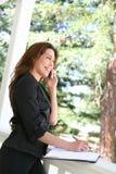 piękna kobieta telefonu do domu Obrazy Stock