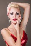 piękna kobieta udaje Obraz Royalty Free