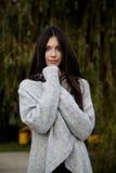 piękna kobieta udaje Zdjęcie Royalty Free