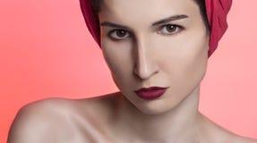 Piękna kobieta w czerwieni Obraz Stock