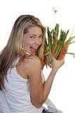piękna kobieta warzywa gospodarstwa Fotografia Stock