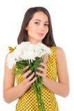 Piękna kobieta z chryzantemami Zdjęcie Royalty Free