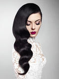 Piękna kobieta z fryzury Hollywood fala Obrazy Royalty Free