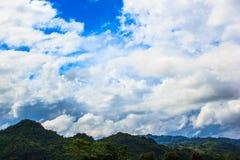 Piękna Krajobrazowa góra I niebo Zdjęcia Stock