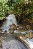 Piękna Krathing siklawa w parku narodowym, Tajlandia Fotografia Royalty Free