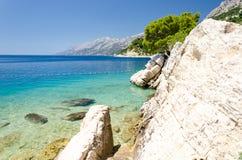 Piękna linia brzegowa w Brela na Makarska Riviera, Dalmatia, Chorwacja obrazy royalty free