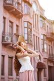 Piękna miastowa kobieta, dziewczyna Zdjęcia Royalty Free