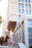 Piękna miastowa kobieta, dziewczyna Zdjęcie Royalty Free