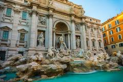piękna noc fontanny trevi romów Zdjęcia Royalty Free