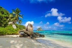 Pi?kna pla?a Mahe, Seychelles - Anse aux szpilki - fotografia stock