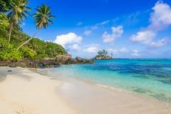 Pi?kna pla?a Mahe, Seychelles - Anse aux szpilki - obraz stock