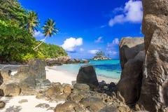 Pi?kna pla?a Mahe, Seychelles - Anse aux szpilki - obrazy stock