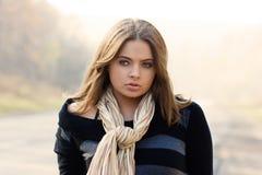 piękna pobliski portreta drogi kobieta fotografia royalty free