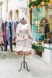 Piękna rocznik suknia na mannequin Zdjęcia Stock