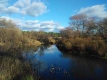 piękna rzeka krajobrazu nieba lato Zdjęcia Royalty Free