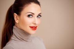 Piękna seksowna kobieta w czerwonej pomadce Zdjęcia Stock