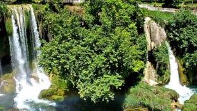 Piękna siklawa w Antalya zbiory