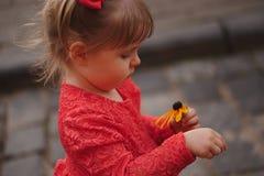 piękna smokingowa czerwony dziewczyny Zdjęcia Royalty Free