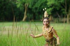 Piękna Tajlandzka dama w Tajlandzkiej tradycyjnej dramat sukni Obraz Royalty Free