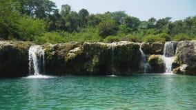 piękna tropikalna wodospadu Filipiny, Luzon Zdjęcie Royalty Free