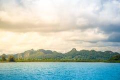 Piękna wyspa, morze i drzewo, halny i kokosowy Zdjęcie Royalty Free