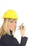 piękne blond trzyma klucze Zdjęcia Royalty Free