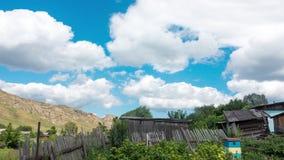 Piękne chmury Na niebieskim niebie zbiory wideo