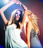 Piękne dancingowe dziewczyny Zdjęcia Royalty Free