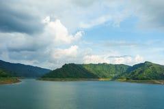 Piękne góry i rzeki przy nakhonnayok zdjęcie stock