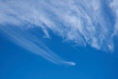 On piękne niebieskie niebo chmury pierzastej chmury Obraz Stock