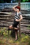 pi?knej ?awki mody dziewczyny parka fotografii seksowni drewniani potomstwa zdjęcie royalty free