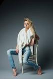 Pięknej blondynki seksowna dziewczyna Zdjęcie Royalty Free