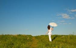 pięknej dziewczyny parasolowy biel Obrazy Stock