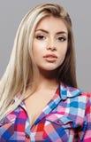 Pięknej kobiety portreta twarzy blond studio Obraz Royalty Free