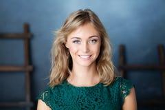 pięknej kobiety wzorcowy ja target96_0_ Potomstwo twarz Fotografia Stock