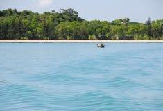 Pi?knej natury sceniczny krajobrazowy widok przy pokojow? pla?? w Nha Trang fotografia stock