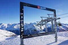 Piękni Austriaccy Alps w Soelden, Tyrol, Lodowy Q szczyt przy 3 200 metrów wzrostów Zdjęcia Stock