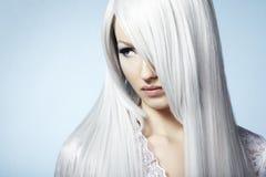 piękni blondynki mody portreta kobiety potomstwa Obrazy Royalty Free
