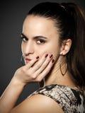 piękni brunetki kobiety potomstwa Obrazy Royalty Free