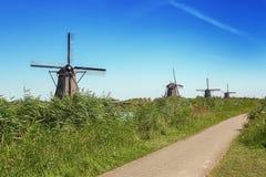 Piękni Holenderscy wiatraczki przy Kinderdijk Zdjęcia Stock