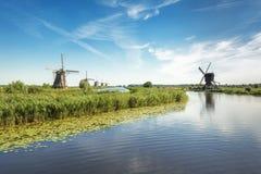 Piękni Holenderscy wiatraczki przy Kinderdijk Obraz Stock