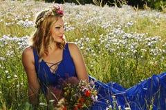 piękni kwiatów dziewczyny potomstwa Zdjęcia Stock