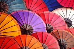Piękni papierowi parasole Zdjęcia Royalty Free