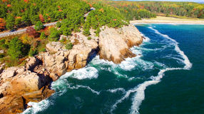 Piękni spadków kolory Acadia, Maine Widok z lotu ptaka od helicop Fotografia Royalty Free