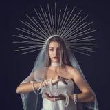 Piękno portret dziewczyna w koronie halloween Fotografia Royalty Free